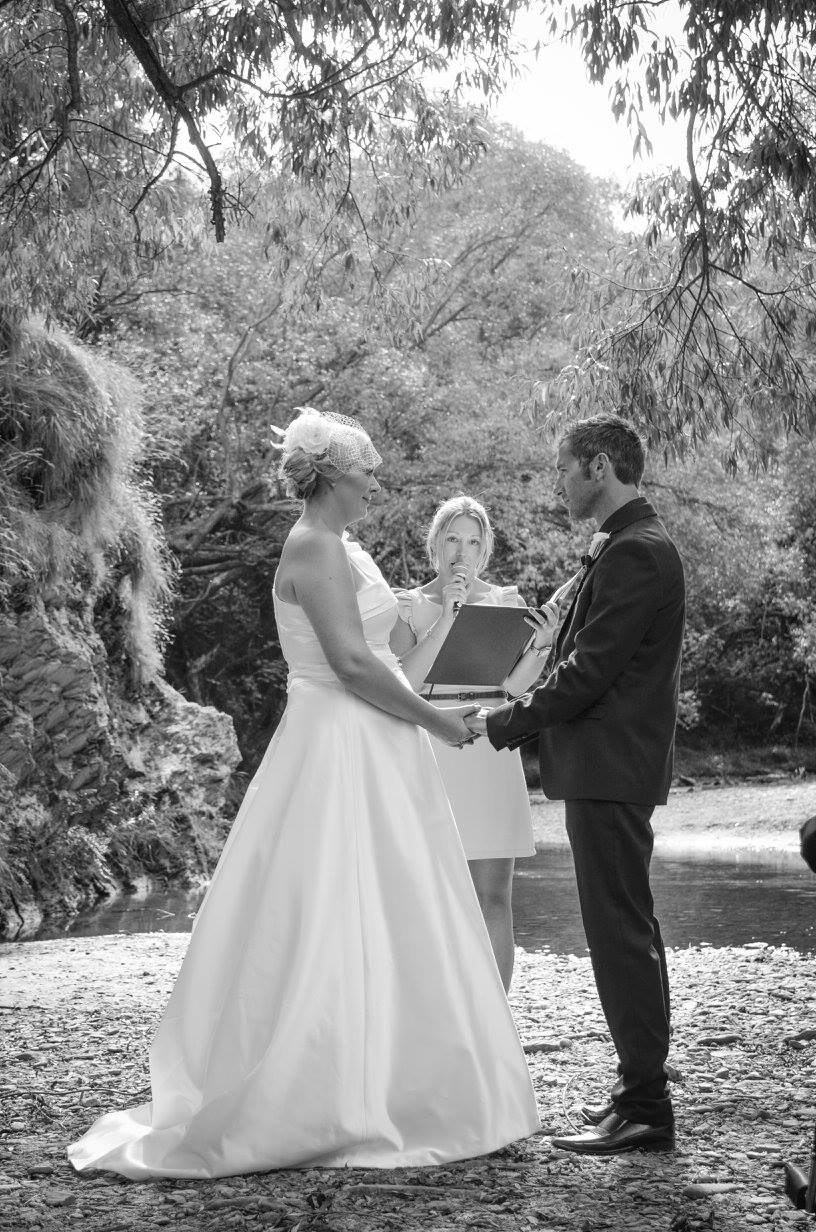 A gorgeous Arrowtown riverside wedding