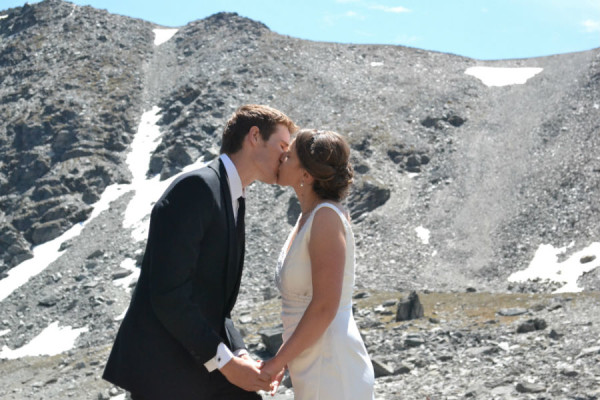 adventure wedding ceremony first kiss