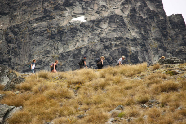 adventure wedding queenstown hike