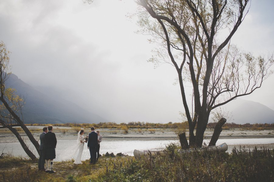 A moody lakeside elopement in Glenorchy