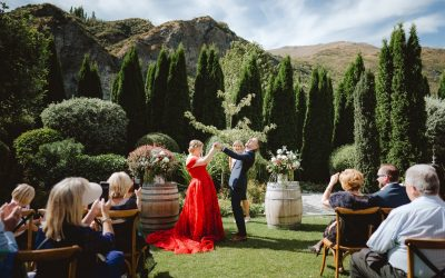 5 Wedding Traditions and how to break them!