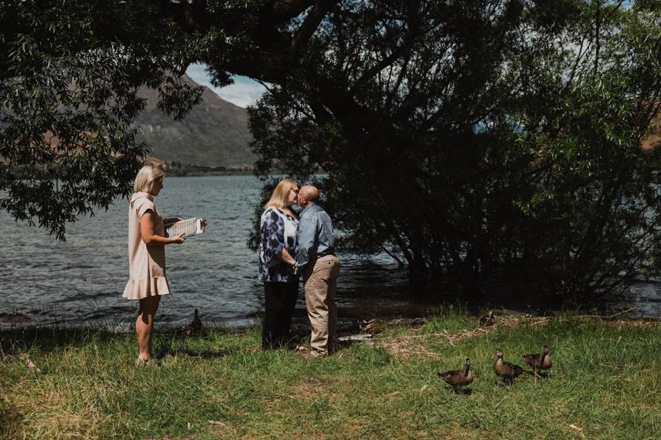 queenstown-celebrant-vow-renewal-craig-theresa
