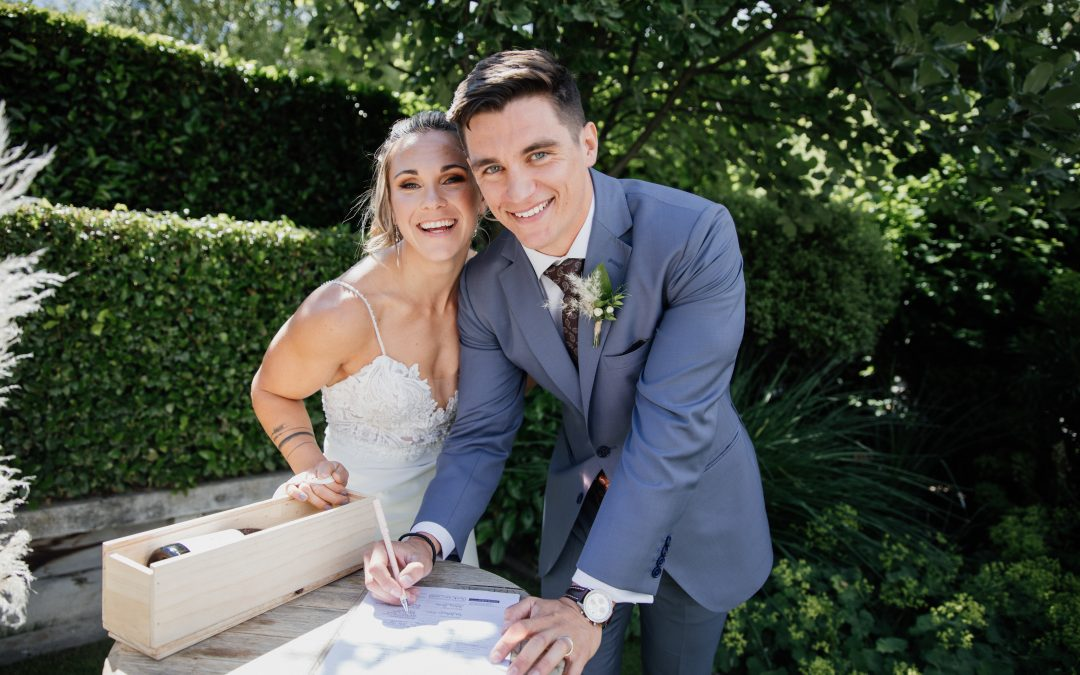 queenstown-wedding-celebrant-winehouse-elliot-jamie