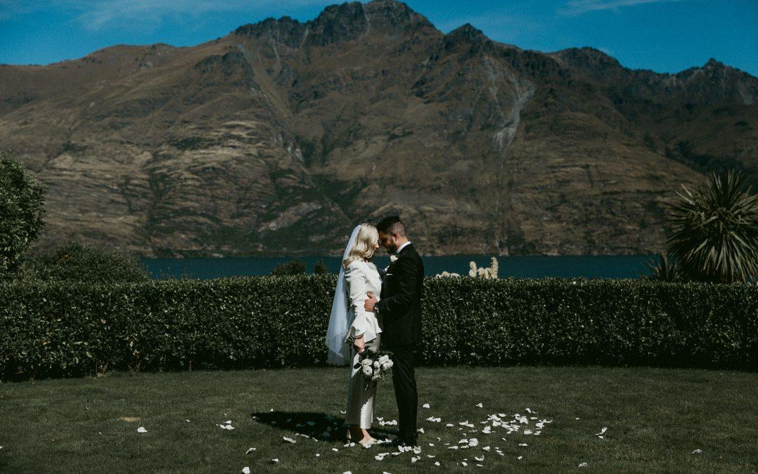 queenstown-wedding-celebrant-matakauri-lodge-wedding-elke-omar