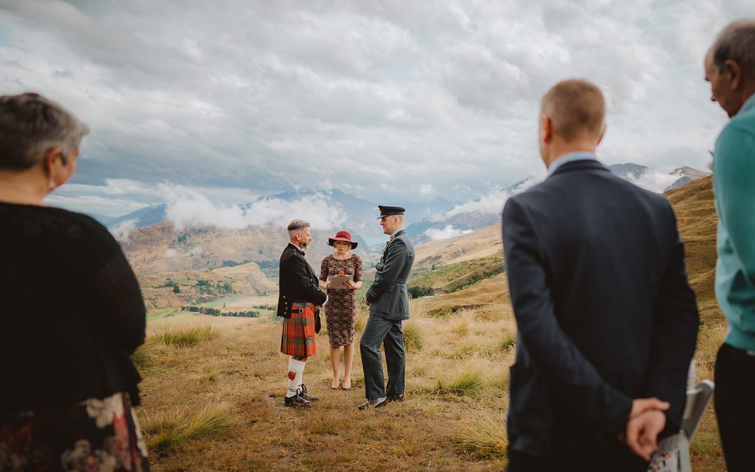 queenstown-wedding-celebrant-coronet-peak-gay-wedding-greg-steve