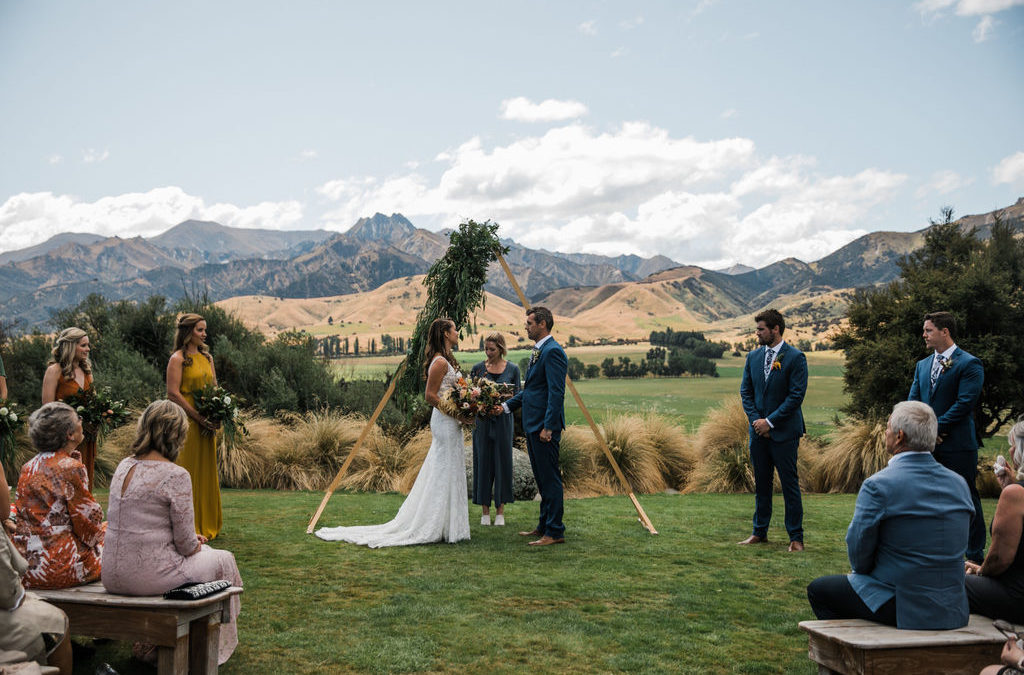 queenstown-wedding-celebrant-wanaka-wedding-LisaandRodLookoutLodgeWanaka-153